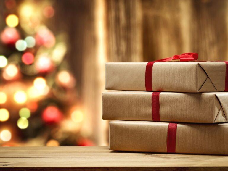 10 pomysłów na działalność księgarni w okresie świątecznym. Warto się zainspirować!